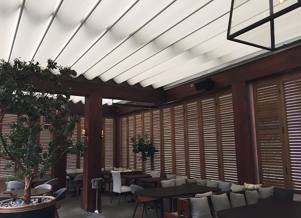 Baltaire restaurant architectural fabric shade for Motorized shades los angeles