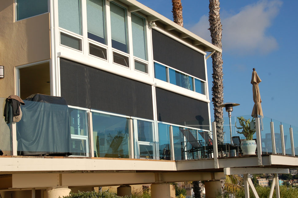 Vertical screens architectural fabric shade structures for Vertical retractable screen