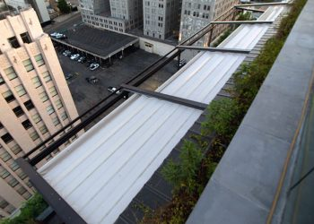 Closed Retractable Roof Canopy